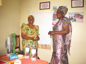 Våres Kiswahilli lærere! Mama Joyce og Mama Agnes
